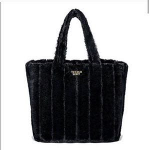Victoria's Secret Bags - NWT VICTORIAS SECRET LTD EDITION FAUX FUR TOTE BAG